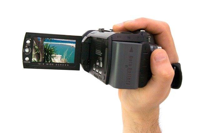 動画撮影可能なカメラの違い解説